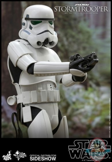 star-wars-stormtrooper-sixth-scale-figure-hot-toys-904212-03.jpg