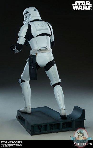 star-wars-stromtrooper-premium-format-figure-sideshow-300526-08.jpg