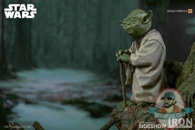 star-wars-yoda-statue-iron-studios-903786-05.jpg